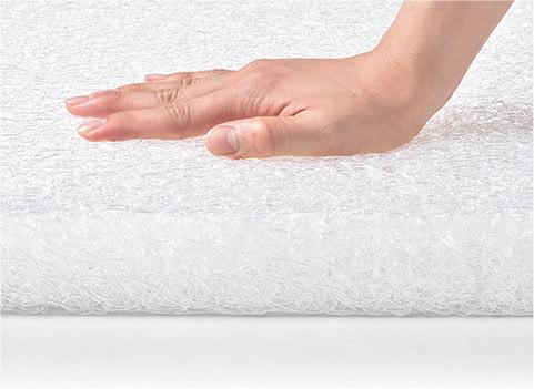 硬めの新次元素材が寝返りをスムーズにし、熟睡をサポート。